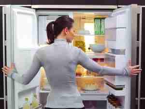 5 эффективных способов избавиться от запаха в холодильнике