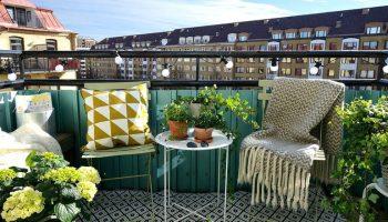 Как практично и со вкусом оборудовать открытый балкон