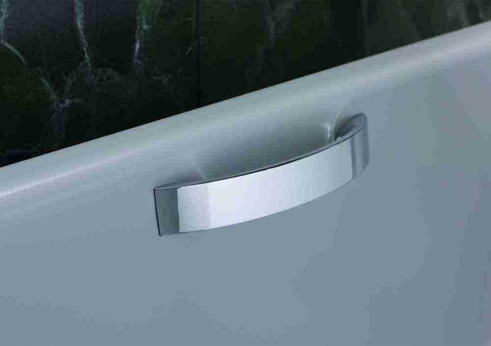 Как прикрепить присоску на кафельную плитку в ванной?