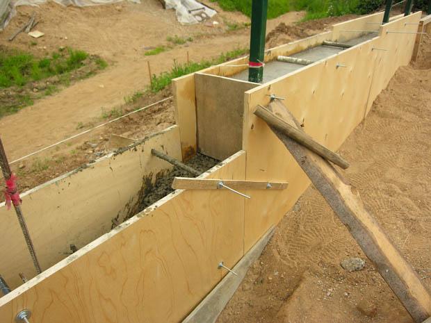 Фанера для опалубки: требования к опалубке, материалы для строительных работ и устройство опалубки