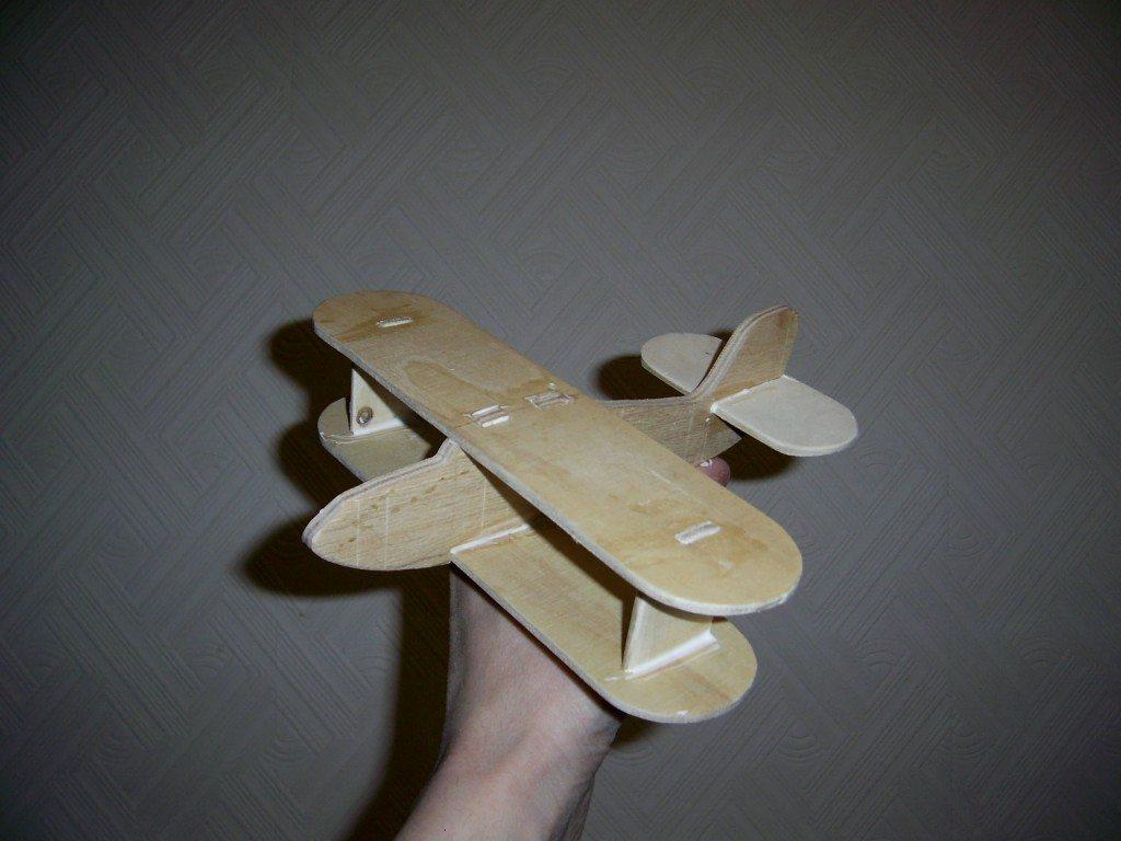 Как сделать самолет из фанеры. Вырезание лобзиком заготовки и сборка. Другие поделки