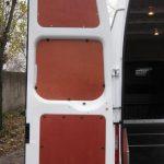 Обшивка фанерой двери фургона