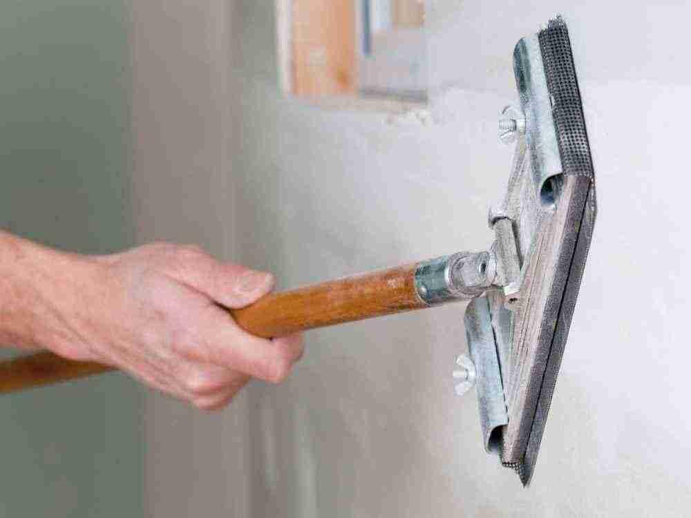 Как шпаклевать стены что бы они потом не отвалились
