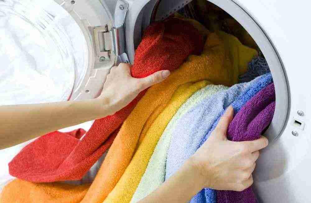 Как правильно стирать вещи чтобы они не теряли свой цвет
