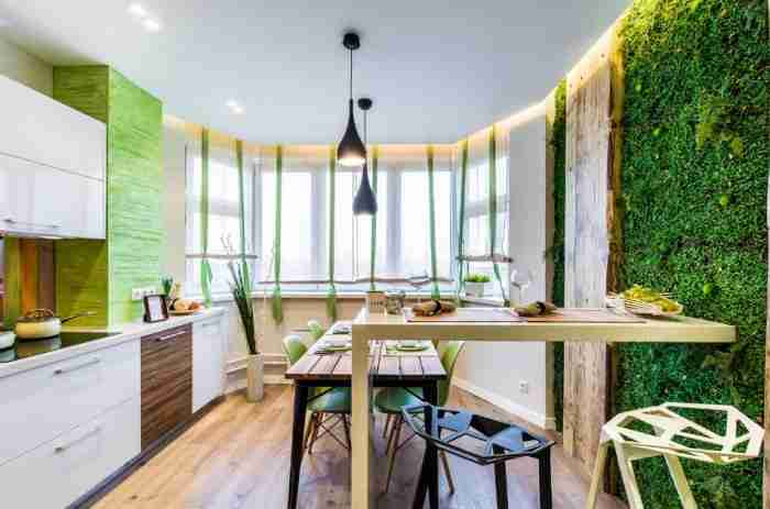 """Зелень и деревянные вставки придают """"теплоту"""" кухне"""