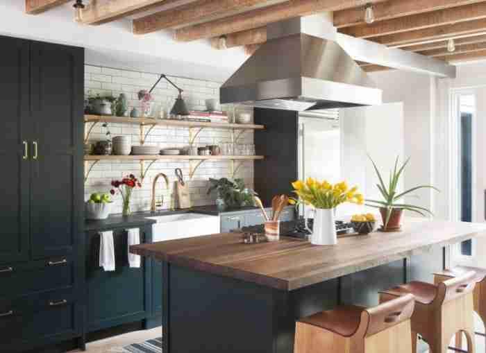 Преобразуем кухонный интерьер