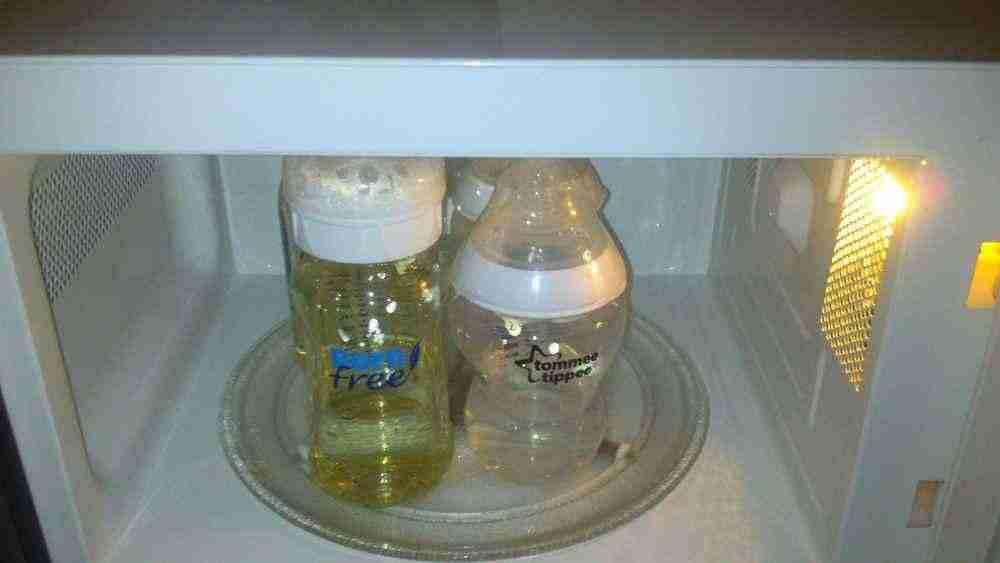 Как правильно стерилизовать посуду для кормления малыша