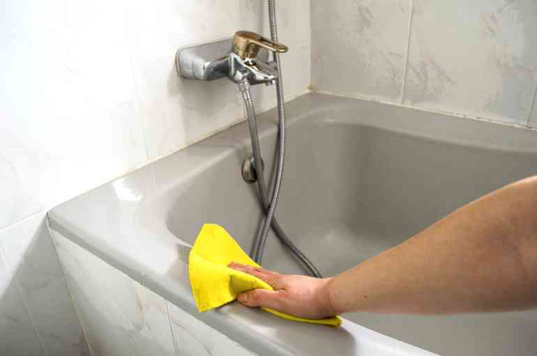 Как быстро избавиться от ржавчины в ванной