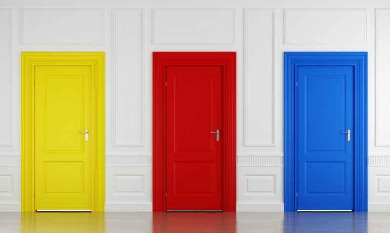 Какие двери не подходят для квартиры, где есть маленькие дети