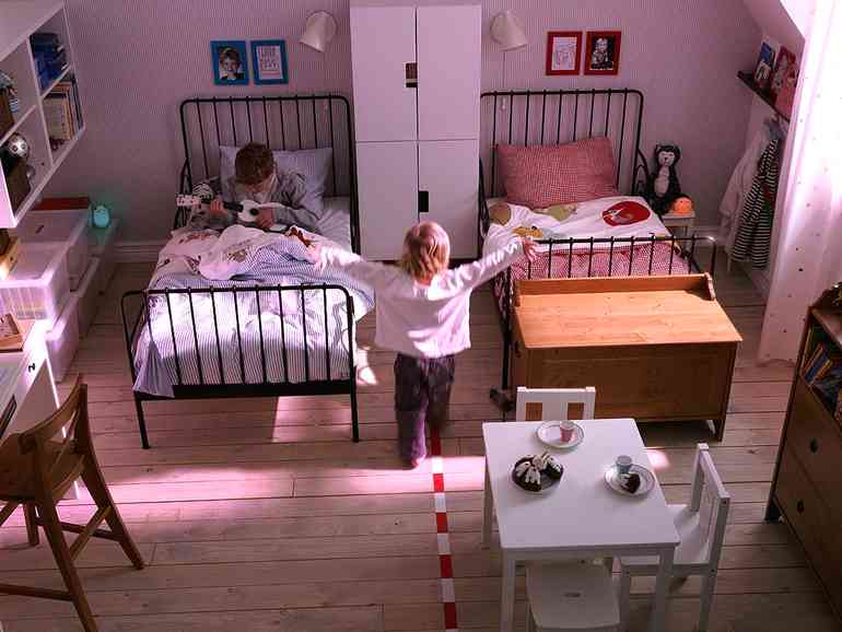 Должны ли разнополые дети жить в одной комнате?