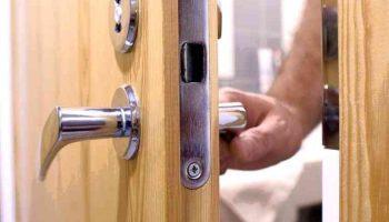 Почему двери могут закрываться неплотно