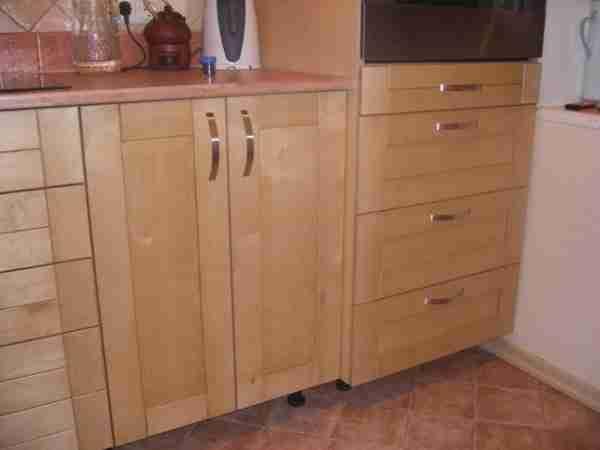 Фанерная кухонная мебель? Почему бы и нет?