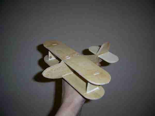 Фанерный самолет, оригинальная поделка