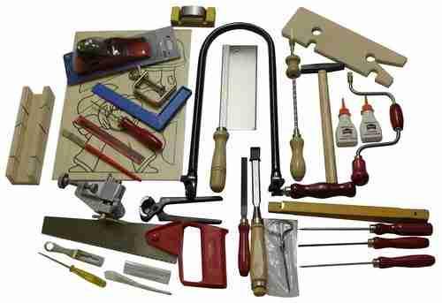 Фото инструментов для изготовления игрушек.