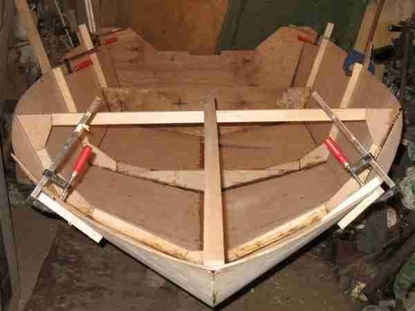 Изготовить лодку непросто, но вполне возможно