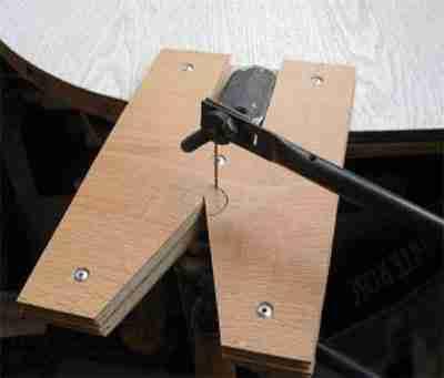 Изготовление рабочего стола (выпиливание отверстия в центре).