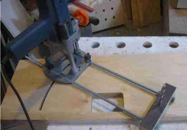 Кронштейн для фрезера: с его помощью можно вырезать диск почти любого диаметра