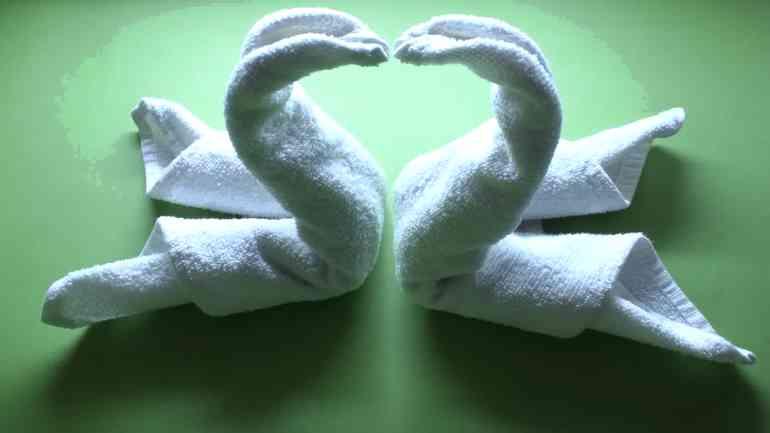 Делаем красивые фигуры из полотенец в ванную