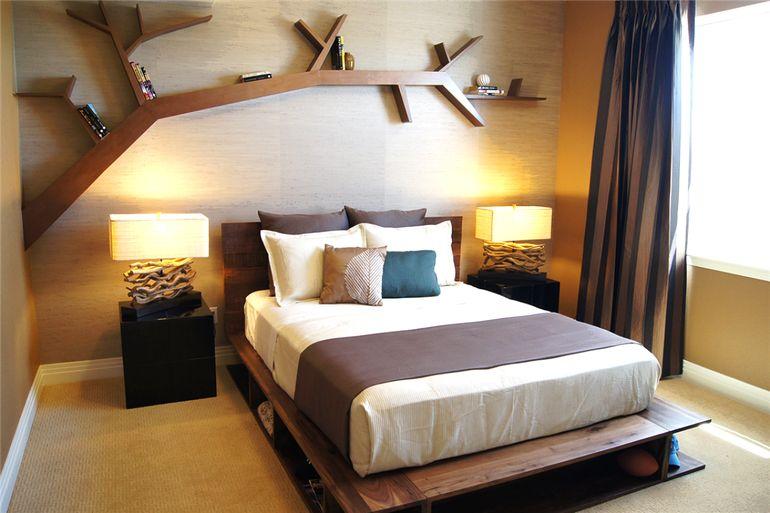 Как использовать пространство за кроватью красиво и с пользой