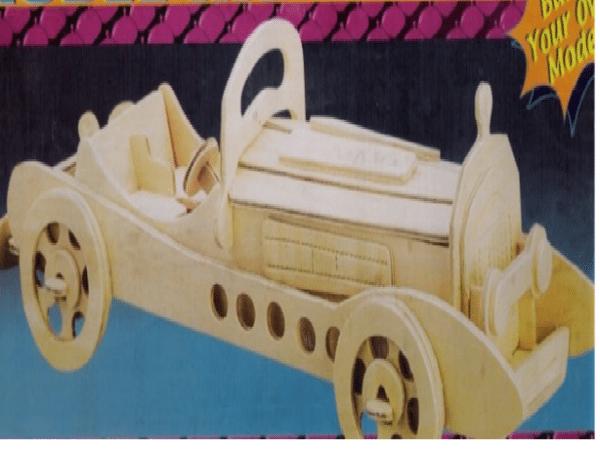 Модель ретро–машины «Мерседес»
