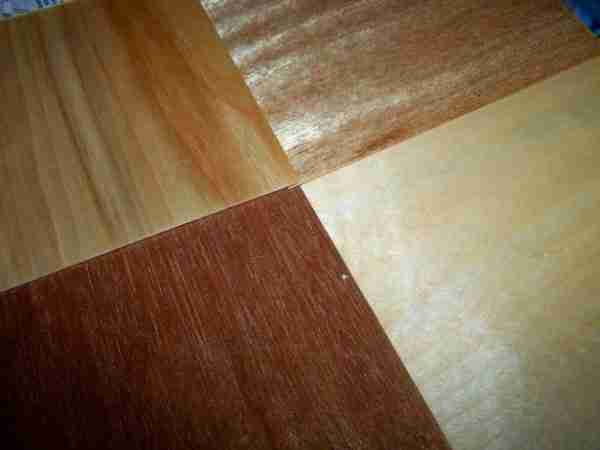На фото – различные виды древесно-слоистой плиты: ламинированная, влагостойкая, обычная.