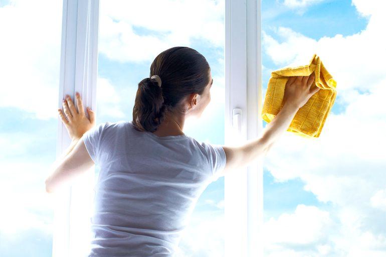 Какие средства нельзя применять для мытья окон