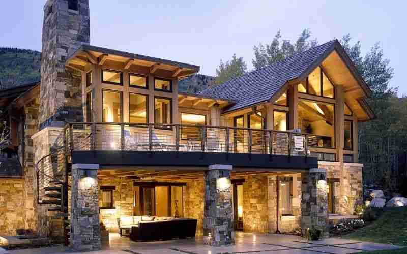 Оформление дома натуральным камнем