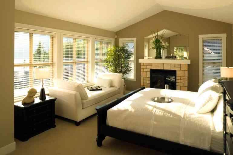 6 особенностей дизайна интерьера комнаты с окнами на южную сторону
