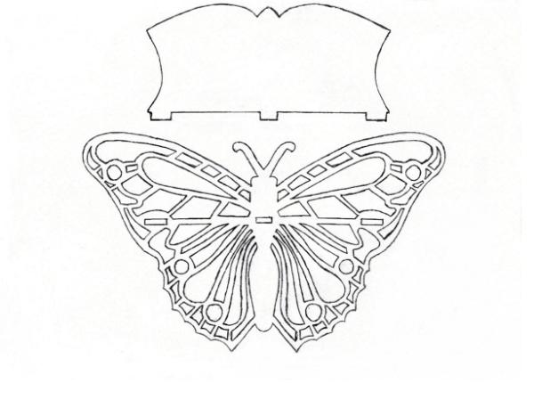 Панно в форме бабочки с отверстием под полочку (полку можно сделать фигурной, прямоугольной, полукруглой).