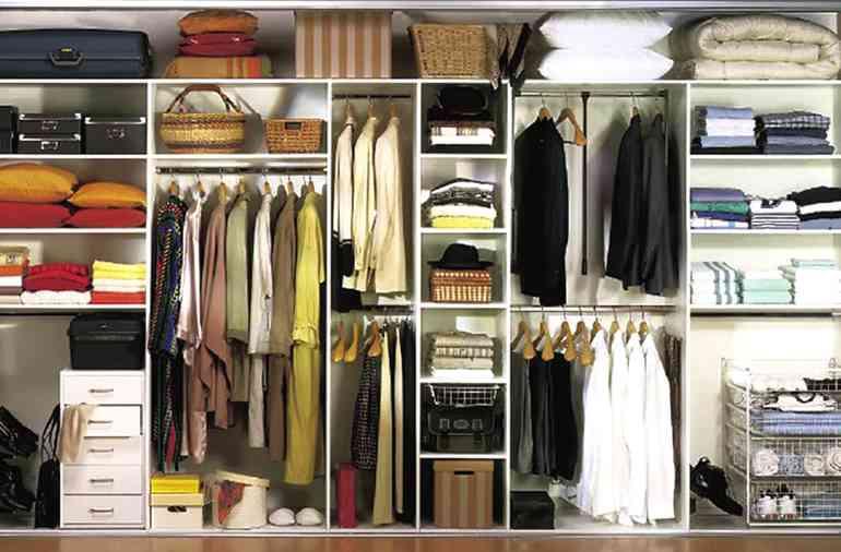 Как максимально использовать пространство шкафа-купе в спальне