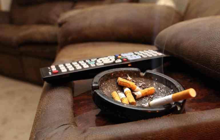 Прожгли мебель сигаретой Выход есть!