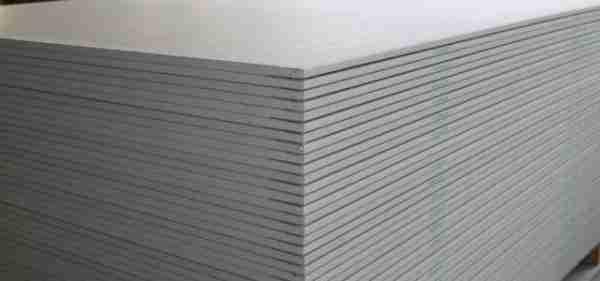Промежуточный слой ГКЛ даст возможность использовать обычный цементный клей.