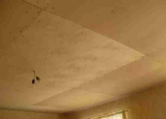Размещение листов фанеры на потолке