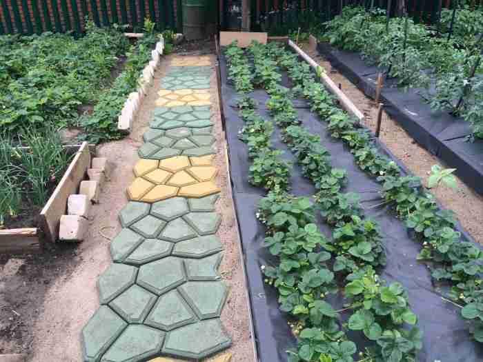 Из чего сделать садовую дорожку?