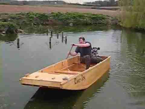 Самодельная моторная лодка из фанеры в эксплуатации