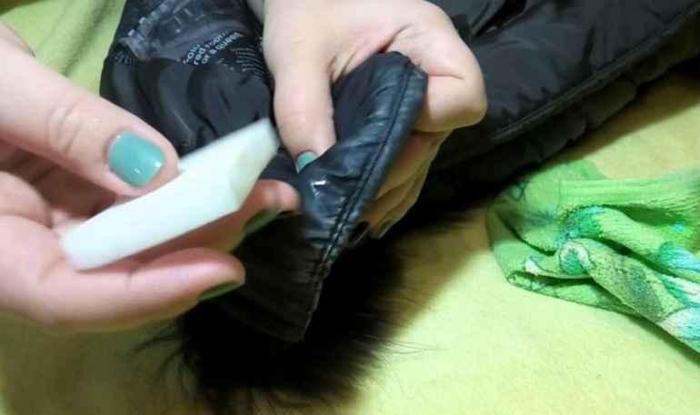 Как не испортить пуховик при стирке - выводим сложные пятна