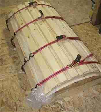 Специальная конструкция для сгибания древесно-стружечной плиты