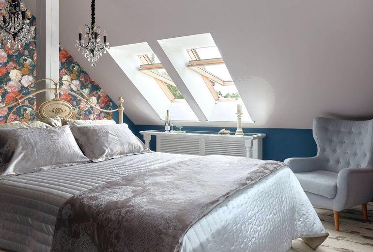 Как из обычной мансарды сделать полноценную спальню