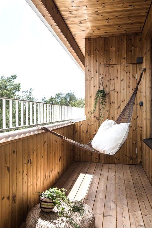 Как превратить балкон в уютную лаунж-зону для отдыха
