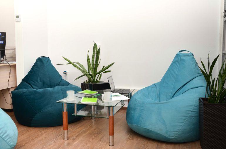 5 аргументов против бескаркасной мебели в интерьере