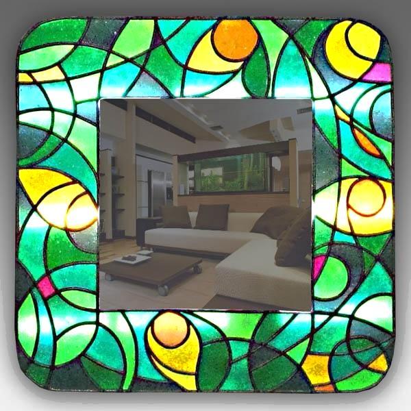 Лучшие идеи для применения стеклянных витражей в интерьере квартиры