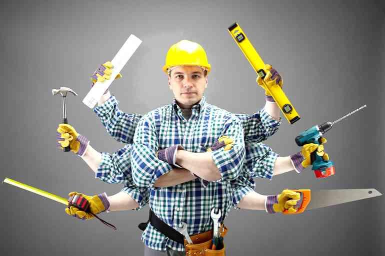 Выбрать одного ремонтника или бригаду?