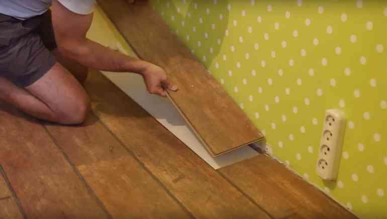 Как бесследно удалить небольшие царапины на ламинате после ремонта