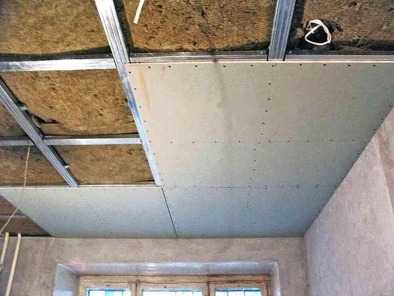 Почему лучше делать гипсокартонный потолок - 4 главных плюса